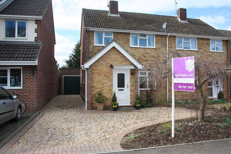 3 Bedrooms Semi Detached House for sale in Rochester Avenue, Woodley, Reading, RG5