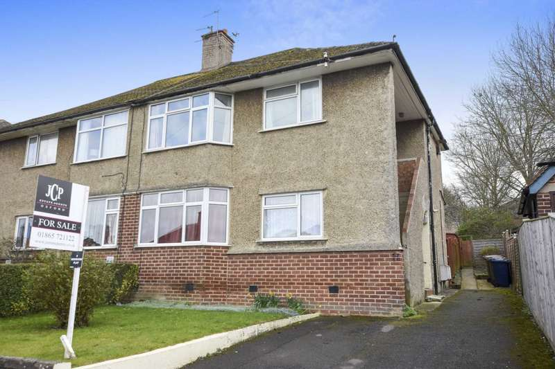 2 Bedrooms Flat for sale in Copse Lane, Marston