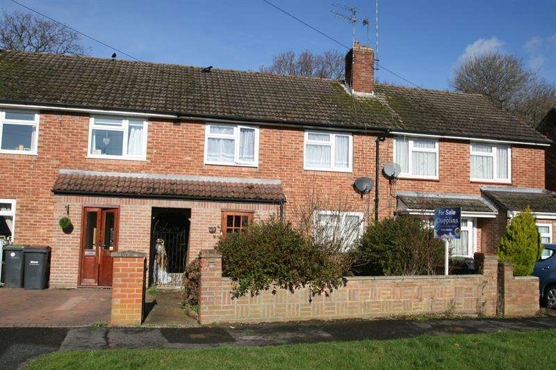 3 Bedrooms Terraced House for sale in Redbridge Grove, Bedhampton, Havant