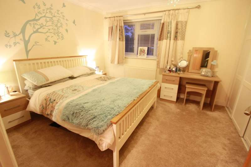 3 Bedrooms Detached House for sale in Northolm Close, North Grays