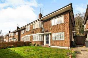 2 Bedrooms Maisonette Flat for sale in Brighton Road, South Croydon, .