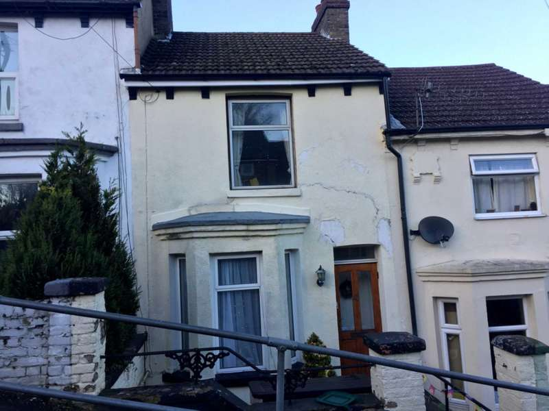 3 Bedrooms Terraced House for sale in Dover