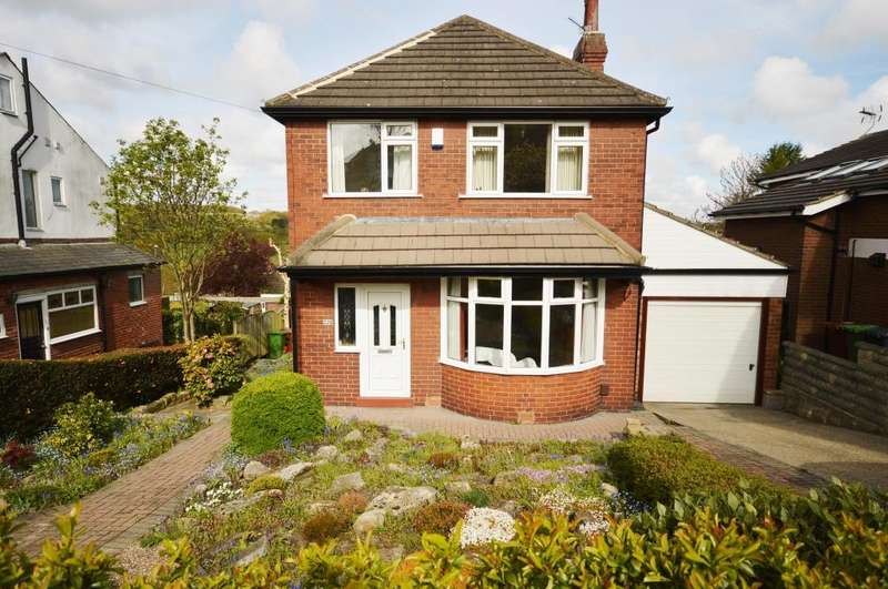 3 Bedrooms Detached House for sale in Tinshill Road, Cookridge, Leeds