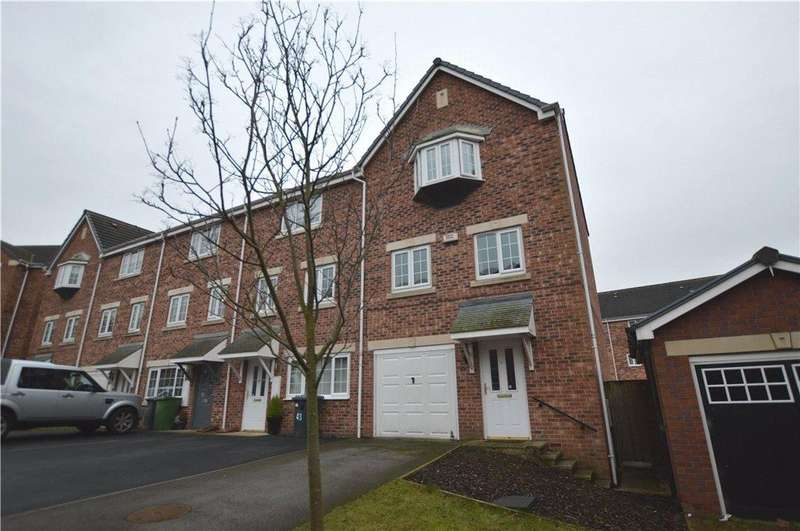 4 Bedrooms Terraced House for sale in Castle Lodge Avenue, Rothwell, Leeds, West Yorkshire