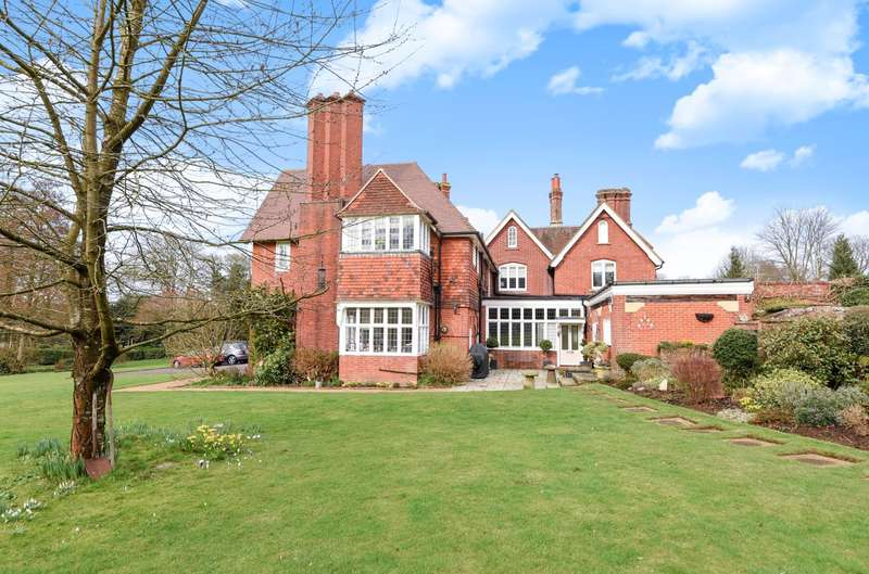 2 Bedrooms Ground Flat for sale in Wonersh