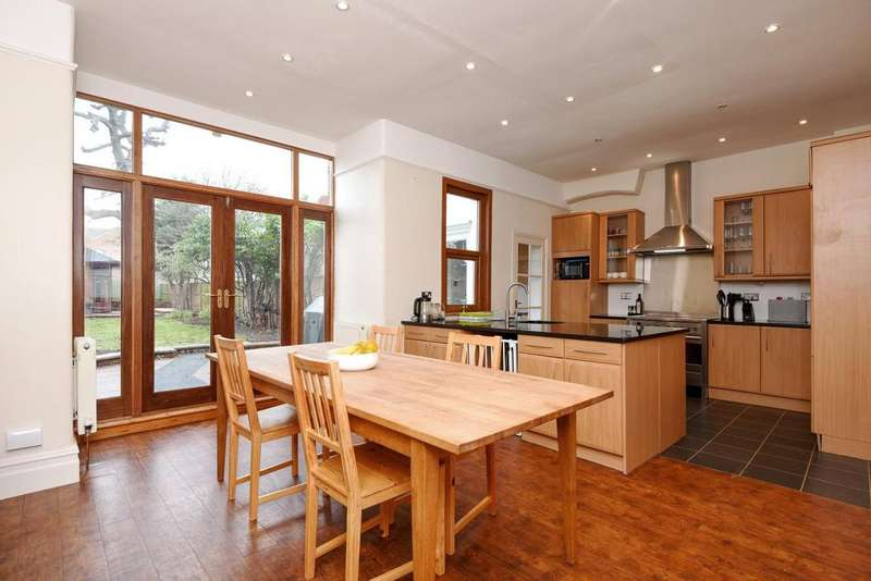 4 Bedrooms Semi Detached House for sale in Granville Road, Finchley, N12