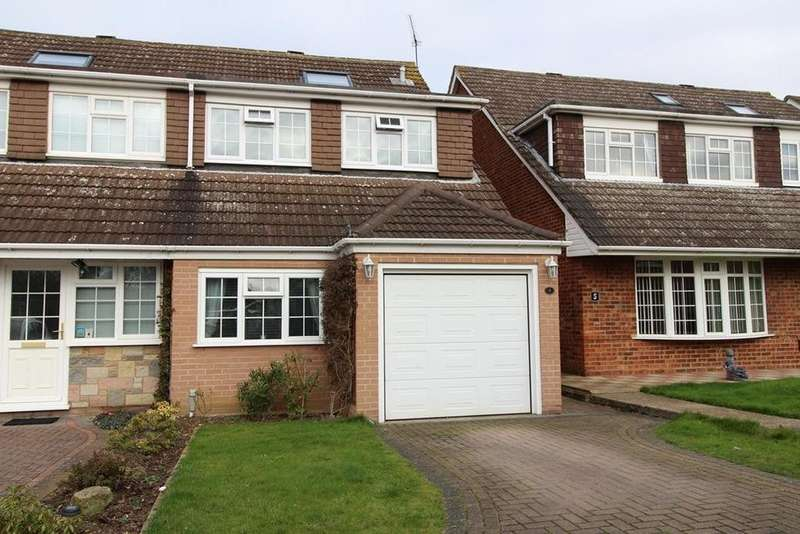 5 Bedrooms Chalet House for sale in The Cobbles, Cranham, Upminster, Essex, RM14