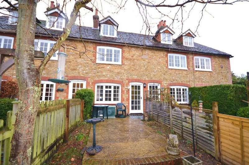 2 Bedrooms Cottage House for sale in Wire Cut, Frensham