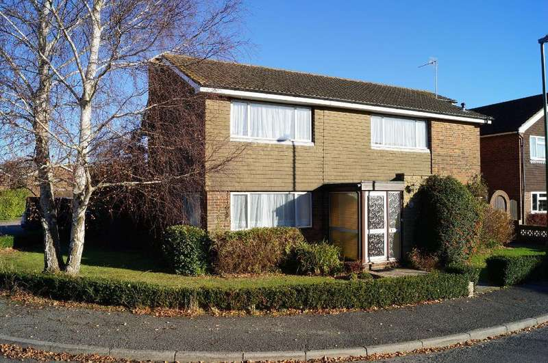 4 Bedrooms Detached House for sale in The Driftway, Upper Beeding, BN44 3JX