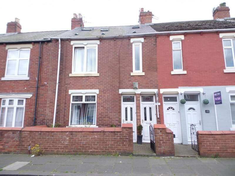 3 Bedrooms Maisonette Flat for sale in Osborne Avenue, South Shields
