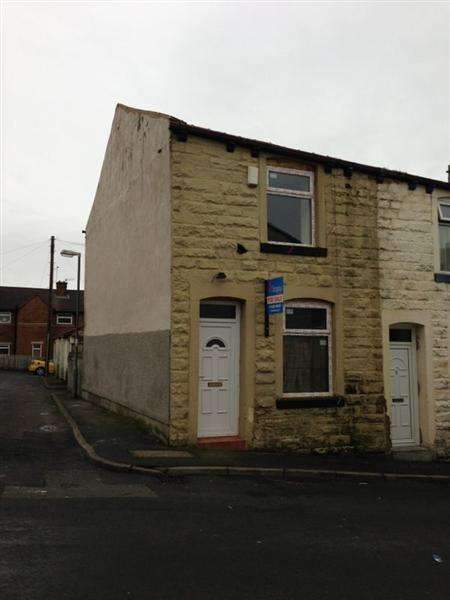 3 Bedrooms End Of Terrace House for sale in Hill Street, Brierfield