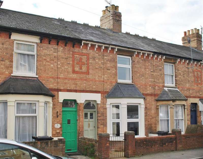 2 Bedrooms Terraced House for sale in Richmond Road, Taunton