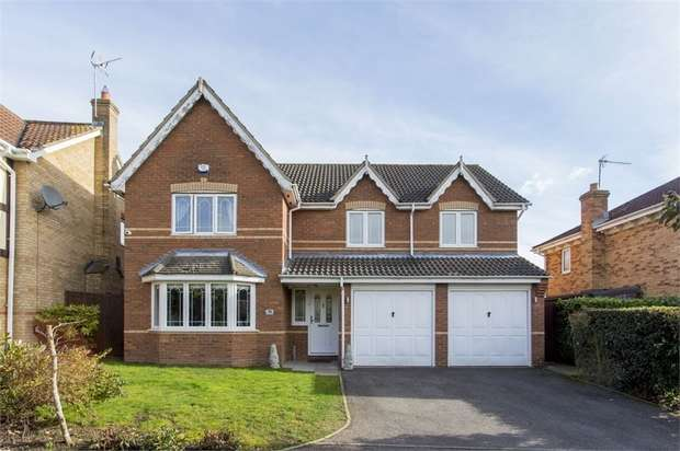5 Bedrooms Detached House for sale in Mylne Close, Cheshunt, Hertfordshire