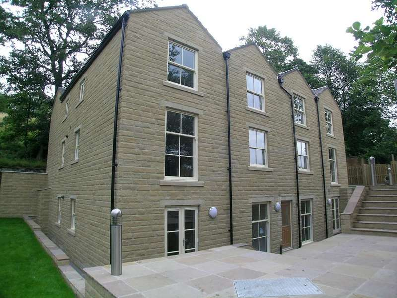 3 Bedrooms Apartment Flat for sale in George Street, Compstall