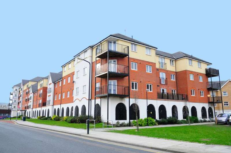 1 Bedroom Apartment Flat for sale in Pettacre Close, West Thamesmead, SE28 0PB