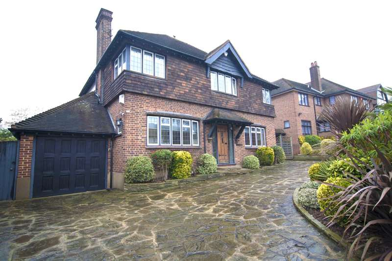 3 Bedrooms Detached House for rent in Meadow Way, Chigwell