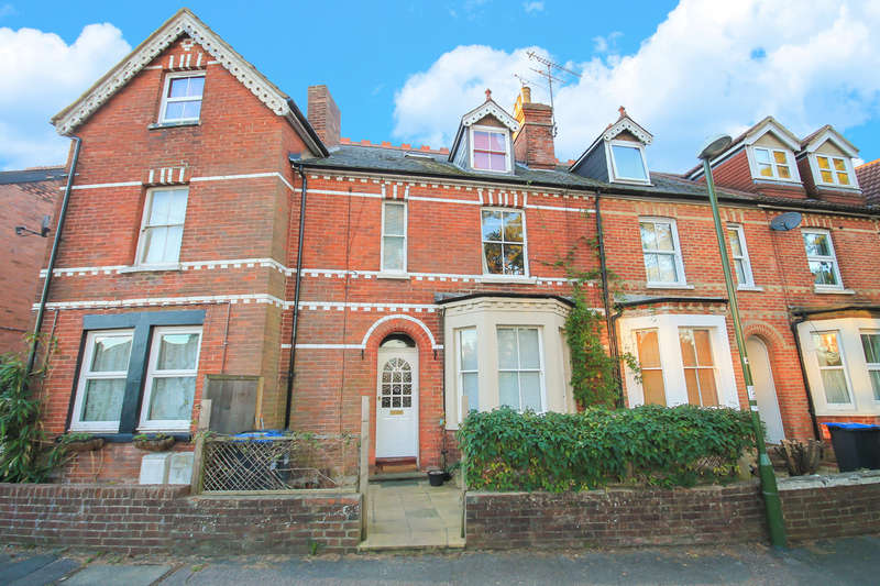 3 Bedrooms Terraced House for sale in Green Hedges Avenue, East Grinstead
