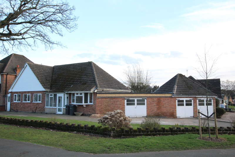 2 Bedrooms Detached Bungalow for sale in Barnard Road, Sutton Coldfield, B75 6AP