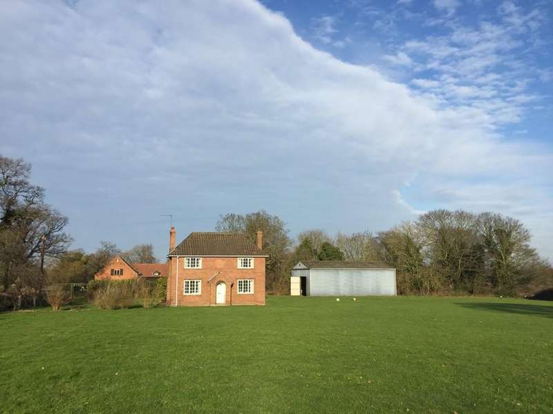 3 Bedrooms Detached House for sale in Newport Road, South Walsham, Norfolk