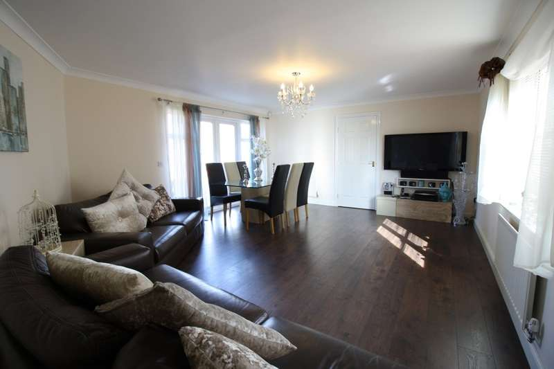3 Bedrooms Terraced House for sale in Caspian Way, Purfleet