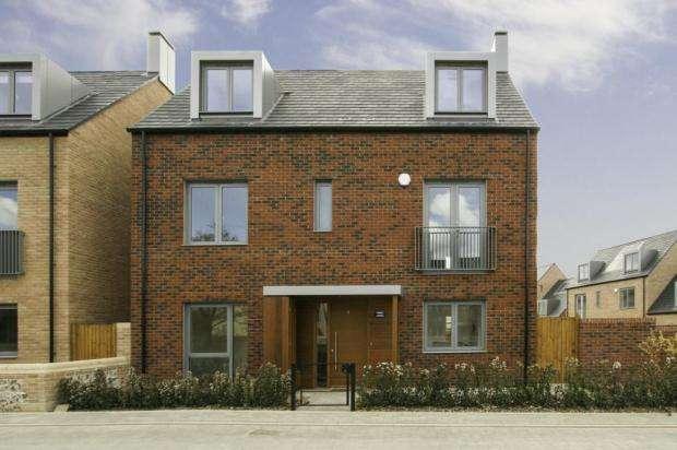 5 Bedrooms Detached House for rent in Proctor Drive, Trumpington, Cambridge