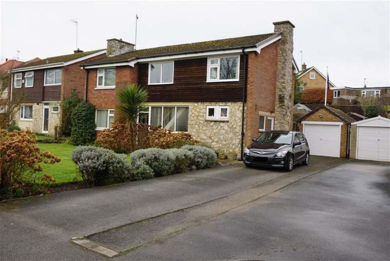 3 Bedrooms Detached House for sale in Stepney Road, Scarborough, North Yorkshire, YO12 5BT