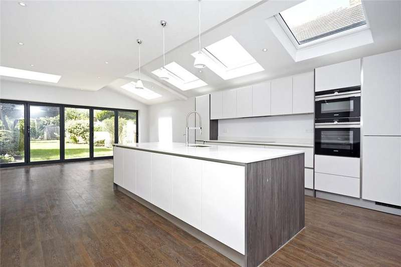 5 Bedrooms Semi Detached House for sale in Station Road, Esher, Surrey, KT10