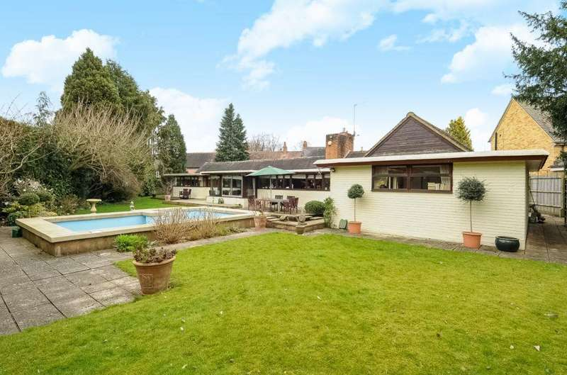 4 Bedrooms Detached Bungalow for sale in Tiddington, Nr Stratford Upon Avon