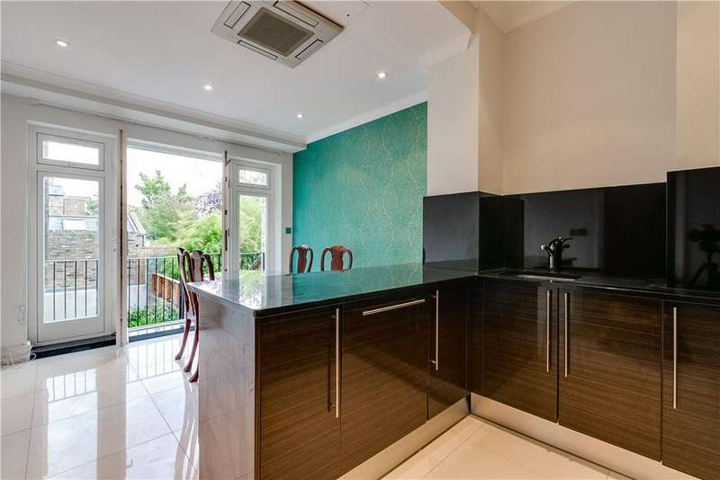 2 Bedrooms Maisonette Flat for sale in Moore Park Road, Fulham, London, SW6
