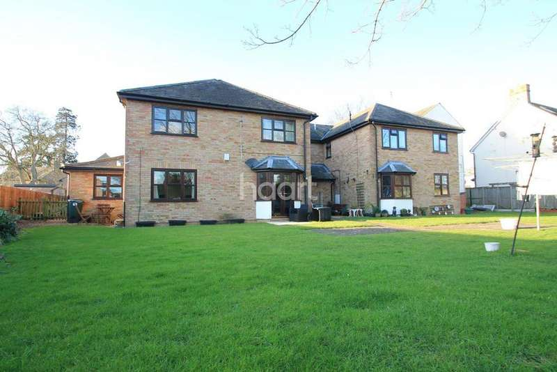 1 Bedroom Flat for sale in Hinton Lodge, Eaton Ford