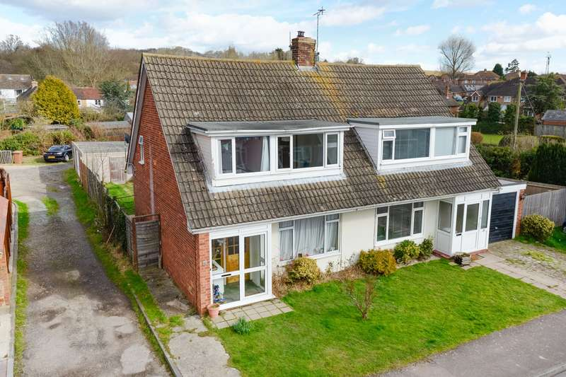3 Bedrooms Semi Detached House for sale in Dukes Meadow, Hamstreet, Ashford, TN26