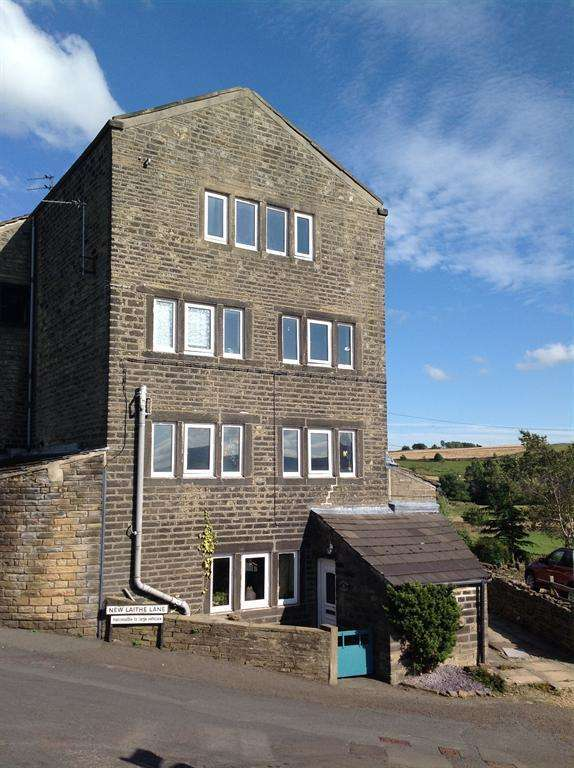3 Bedrooms Terraced House for sale in Cliff View Cottage, Cliff Road, Holmfirth, HD9 1UY