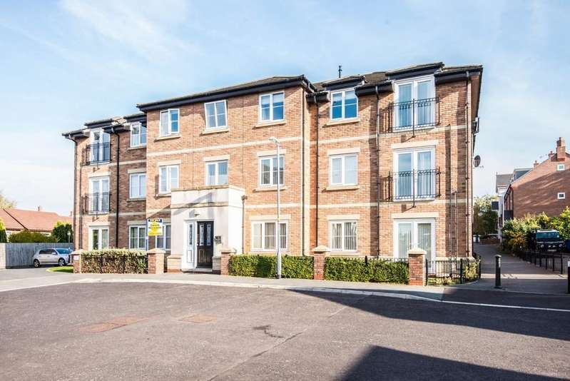 2 Bedrooms Apartment Flat for sale in Grammar School Gardens, Ormskirk