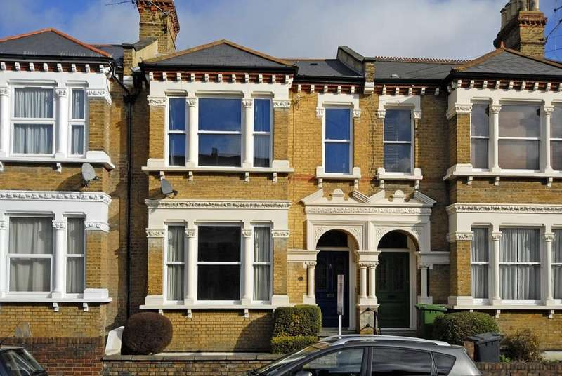4 Bedrooms Terraced House for sale in Beechfield Road SE6
