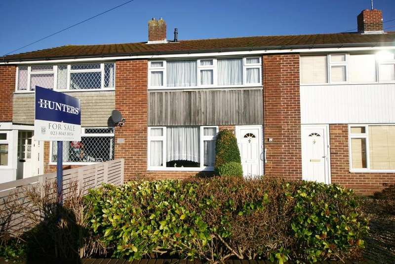 3 Bedrooms Terraced House for sale in Grantham Avenue, Hamble, Southampton, SO31 4JX