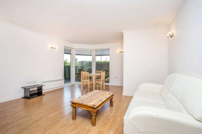 2 Bedrooms Flat for sale in Seacon Tower, 5 Hutchings Street, Canary Wharf, London, E14