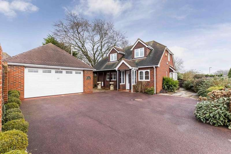 3 Bedrooms Detached House for sale in Sherwood Gardens, Sarisbury Green