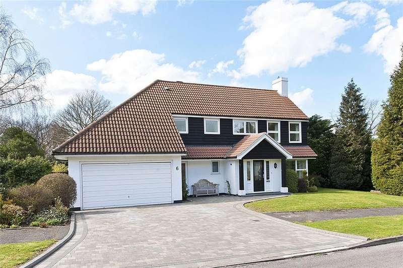 5 Bedrooms Detached House for sale in Manor Chase, Weybridge, Surrey, KT13