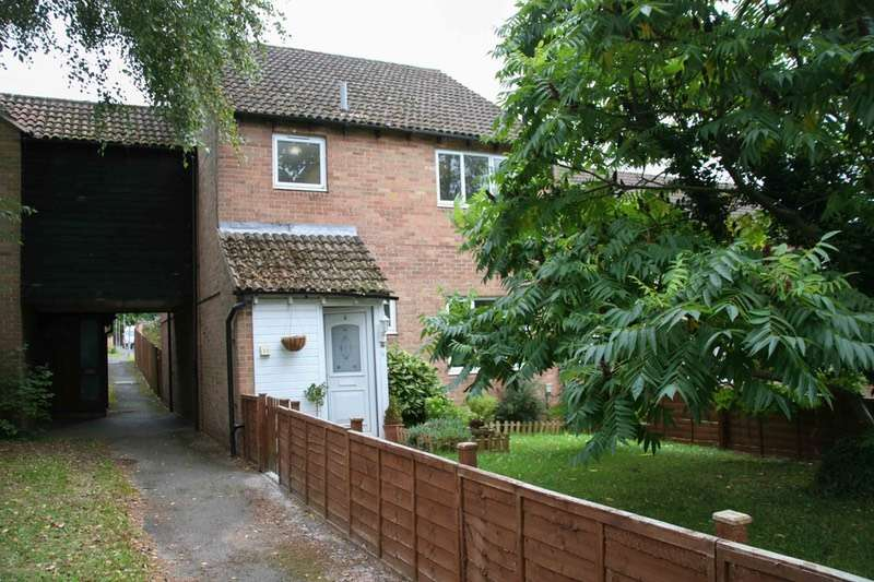 4 Bedrooms Link Detached House for sale in Wallace Close, Marlow, Buckinghamshire, SL7