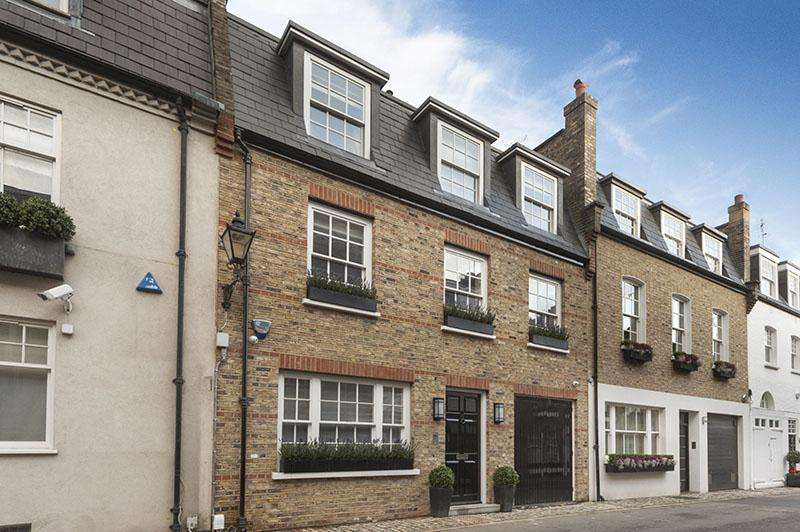 4 Bedrooms House for sale in Clabon Mews, London. SW1X