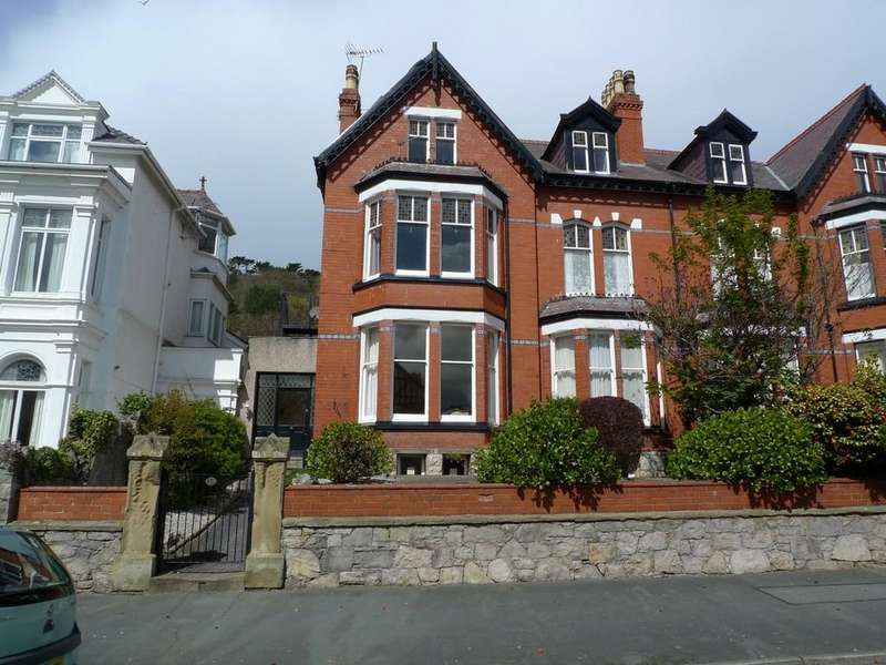 6 Bedrooms Semi Detached House for sale in Abbey Road, Llandudno