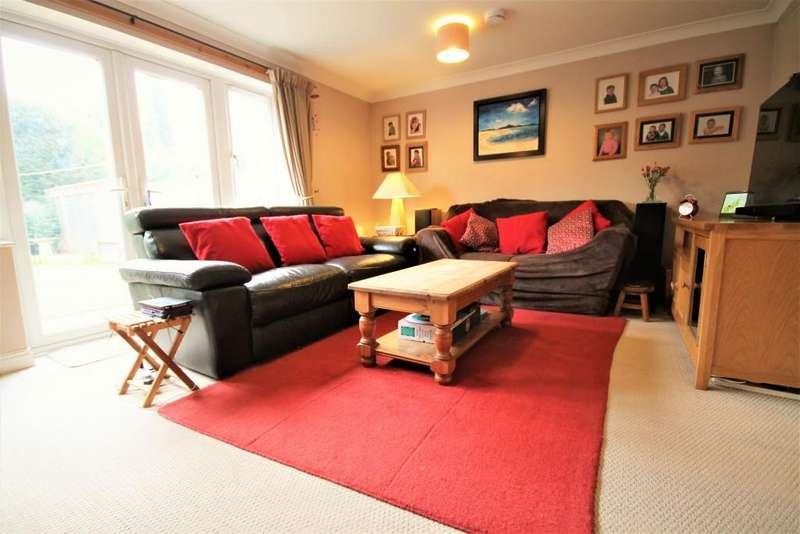 5 Bedrooms Semi Detached House for sale in Royal Huts Avenue, Hindhead