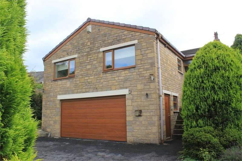 3 Bedrooms Detached House for sale in Chapel Close, Whalley, Clitheroe, Lancashire
