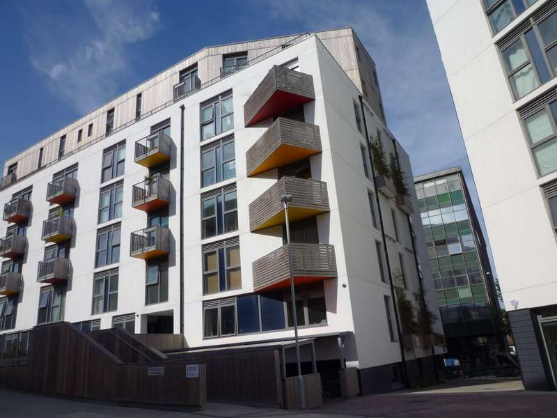 2 Bedrooms Penthouse Flat for rent in New England Street, Brighton