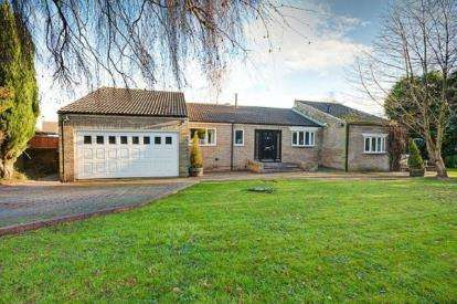 4 Bedrooms Bungalow for sale in Shap Close, Washington, Tyne and Wear, NE38