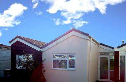 2 Bedrooms Bungalow for sale in Malborough, Kingsbridge, .