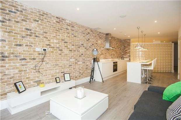 1 Bedroom Flat for sale in The Lofts Apartments, Hardwicks Square, London, SW18 4JS