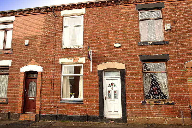 2 Bedrooms Terraced House for sale in 35 Bar Gap Road, Oldham