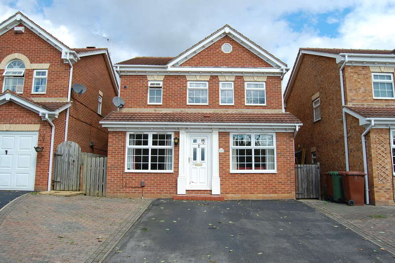 3 Bedrooms Detached House for sale in Geary Drive, Wakefield