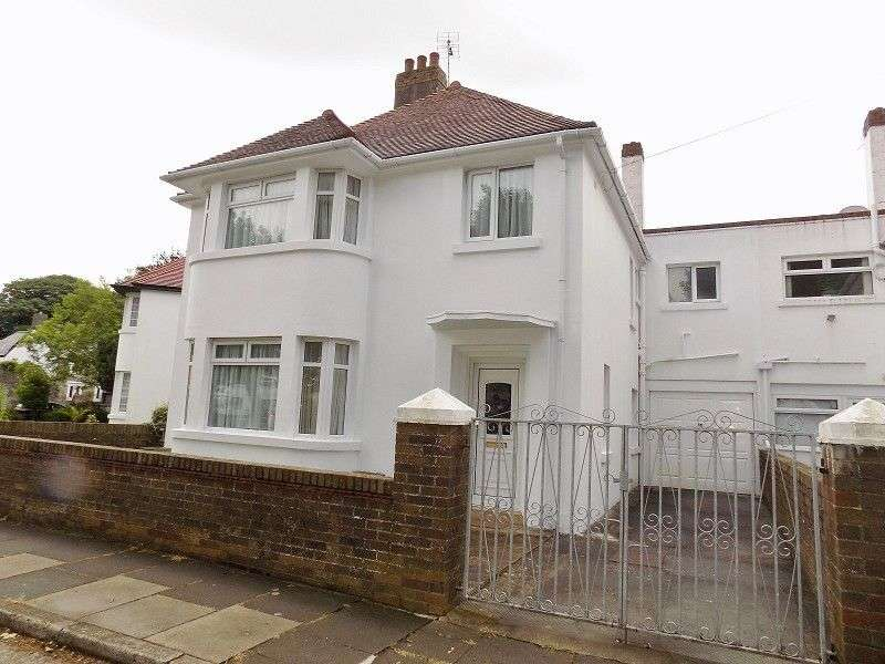 4 Bedrooms Detached House for sale in Aldenham Road, Porthcawl, Bridgend. CF36 5PG